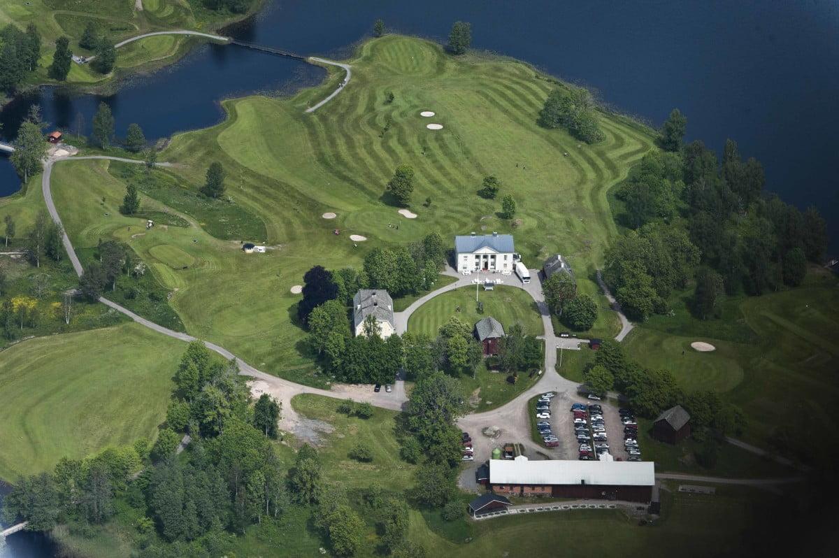 Hyr stuga i Dalsland nära Forsbacka Golfklubb - en av Sveriges finaste golfbanor