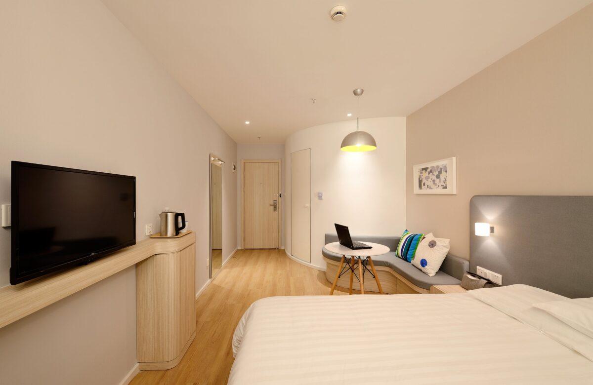 En bild på ett hotellrum. Bo på hotell i Dalsland.